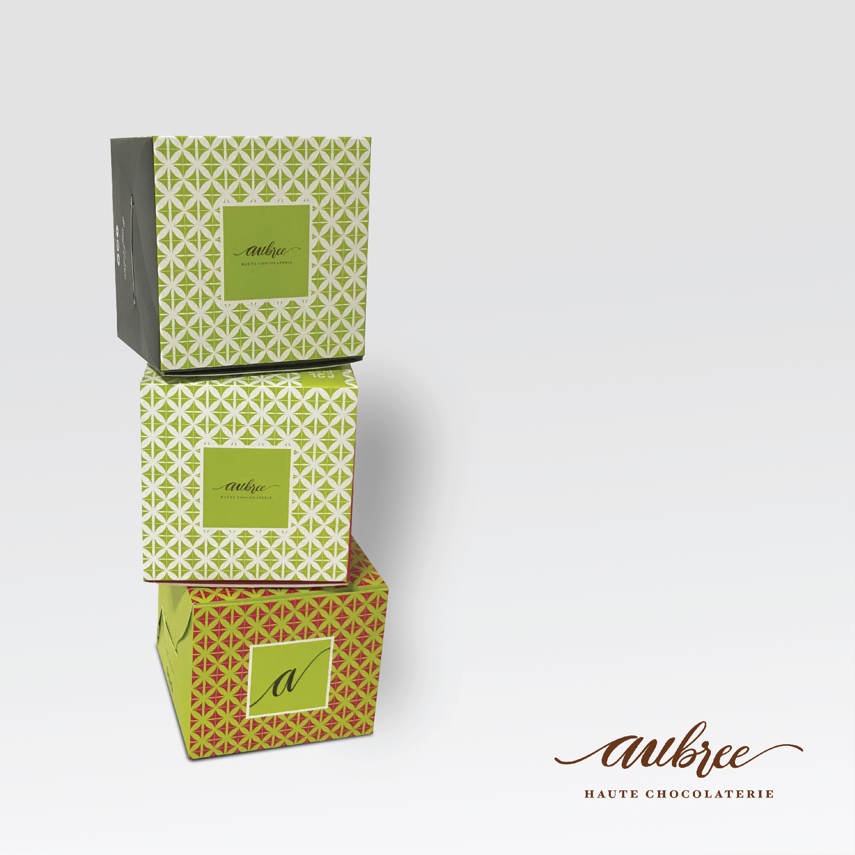 kreatica designs -Custom Cake box